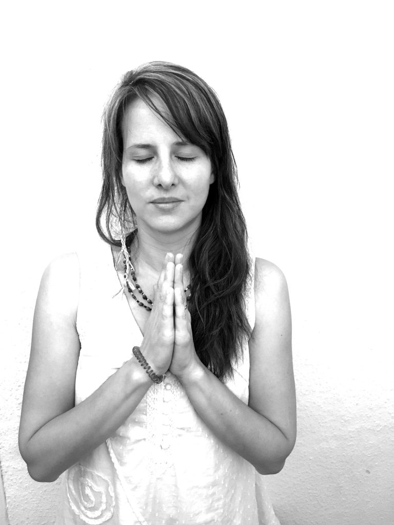 Lotte meditiert