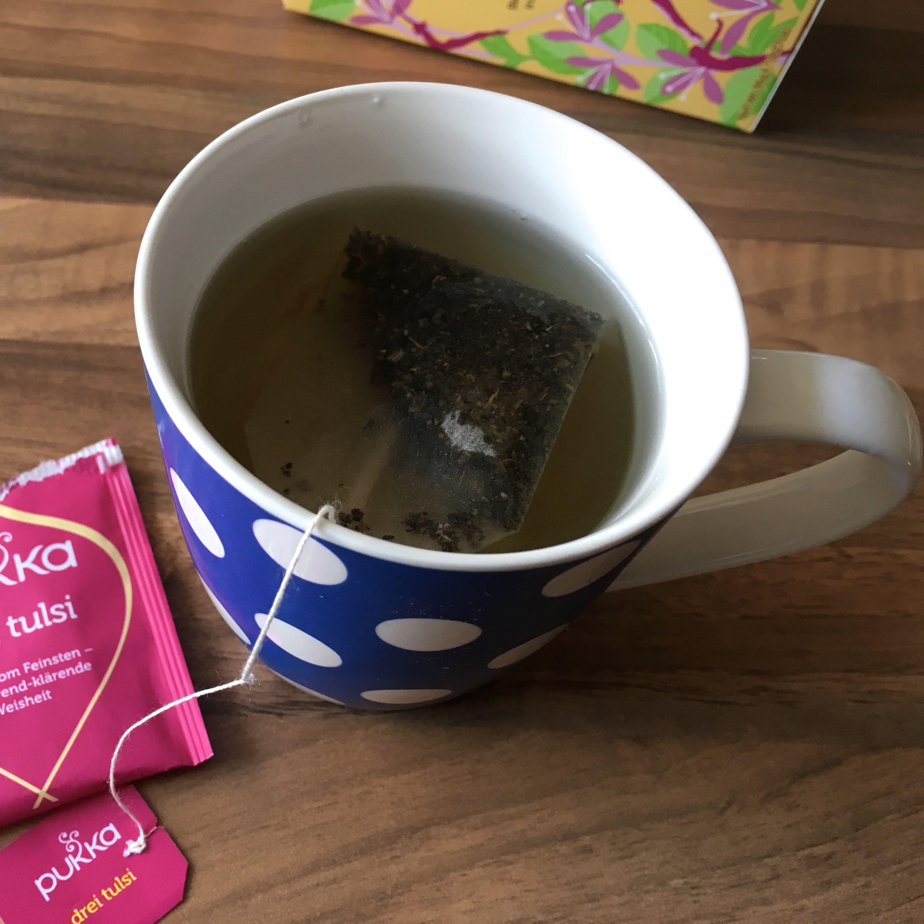 Ayurveda-Tipps gegen dicke Bäuche: Tulsa-Tee