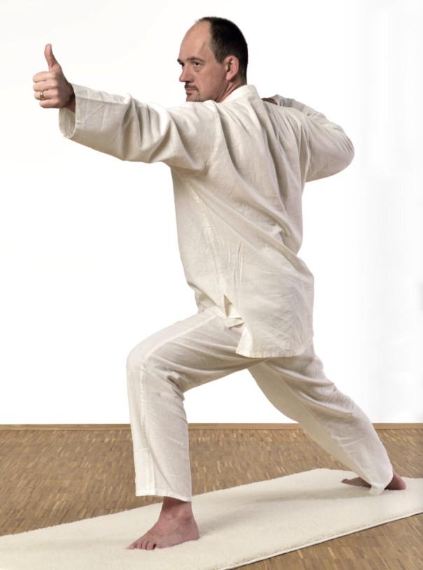 Jürgen Laske beim Kundalini Yoga