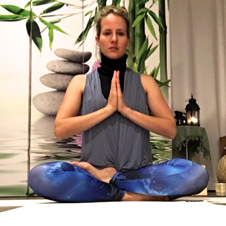 Meditation im Yoga-Atelier